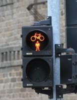 Tu ce faci cand stai la semafor?